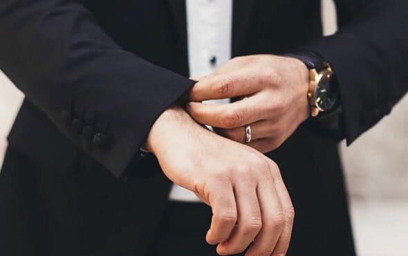 ¿Puede una empresa entregar la dotación laboral en dinero?